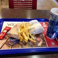 Photo taken at Burger King by Tsune on 10/23/2013