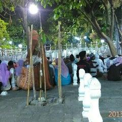 Photo taken at Masjid Agung Sunan Ampel by Riza Fadholi P. on 9/1/2015