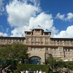 Photo taken at Langham Huntington Hotel by Romualdo Jose M. on 11/9/2012