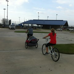 Photo taken at Fairmont Bike And Jogging Trail by ⚡Eric⚡ on 12/15/2012