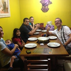 Photo taken at Pizzaria 4 Queijos by Rafael S. on 4/29/2013
