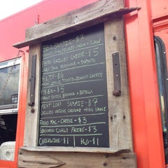 Photo taken at Lowdown Foodtruck by Jessi R. on 10/26/2012
