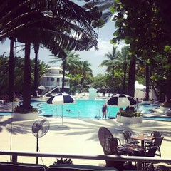 Photo taken at The Raleigh Miami Beach by Amber G. on 7/25/2013