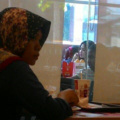 Photo taken at McDonald's by Ainul Fuadi M. on 6/20/2015