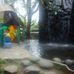 Photo taken at Kampoeng Makan Joglo 21 by Van K. on 8/15/2014