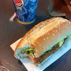 Photo taken at Burger King by Jasper H. on 8/18/2013