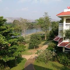 Photo taken at Dheva Mantra Resort & Spa (เทวมันตร์ทรา) by Narongchai B. on 1/25/2013