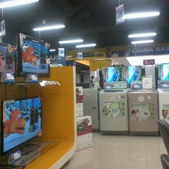 Photo taken at Hartono Elektronika by NaNa M. on 9/19/2012