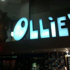 Photo taken at Ollie's Noodle Shop by Keill M. on 11/14/2011