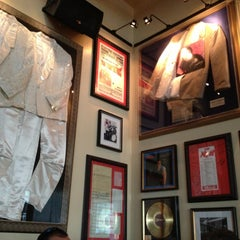 Photo taken at Hard Rock Cafe Detroit by Danielle on 5/3/2013