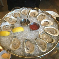 Photo taken at Island Creek Oyster Bar by Yunying on 3/5/2013