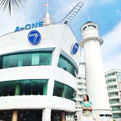 Photo taken at A-One The Royal Cruise Hotel Pattaya by Kittiphong B. on 5/24/2013