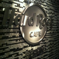 Photo taken at Hard Rock Cafe Berlin by Angélique on 9/15/2012