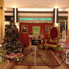 Photo taken at Starbucks by Pet®os ☘ V. on 12/1/2012