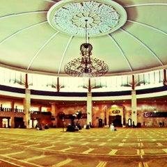 Photo taken at Masjid Raya Sabilal Muhtadin by andrian a. on 12/6/2013