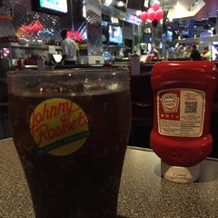 Photo taken at Johnny Rockets by Cristian F. on 3/26/2015