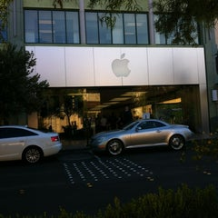 Photo taken at Apple Store, Town Square by Charmaine on 10/22/2012