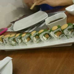 Photo taken at Sushi Itto by Alan Z. on 9/26/2015