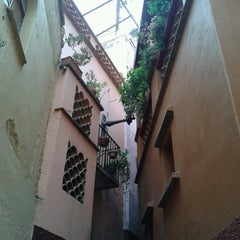 Photo taken at Callejón del Beso by Yocelyn V. on 5/12/2013