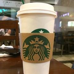 Photo taken at Starbucks by Fredy W. on 7/23/2015
