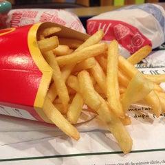 Photo taken at McDonald's by Simona T. on 8/19/2015