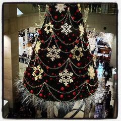 Photo taken at 신세계백화점 (SHINSEGAE Department Store) by N L. on 11/4/2012
