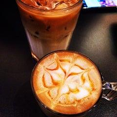 Photo taken at CoffeeBen's & Resto by dafi on 4/13/2015