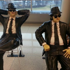 Photo taken at Chicago Midway International Airport (MDW) by James B. on 4/11/2013