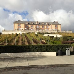 Photo taken at Domaine Carneros by Jose S. on 10/24/2012
