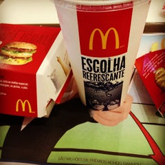 Photo taken at McDonald's by Reginaldo S. on 4/1/2013
