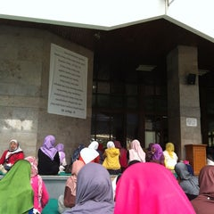 Photo taken at Masjid Al Murosalah by Sally P. on 9/30/2012