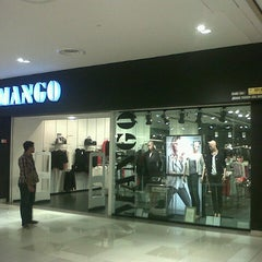 Photo taken at Johor Bahru City Square by Hansen H. on 10/1/2012