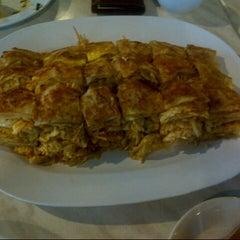 Photo taken at Zam Zam Restaurant by Arini H. on 3/1/2013