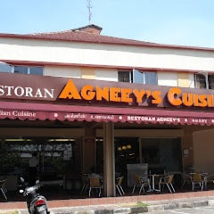 Photo taken at Agneey's Cuisine by Hoon on 10/12/2012