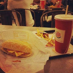 Photo taken at BURGER KING by Wilson G. on 1/17/2013
