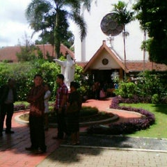 Photo taken at Regina Pacis Bogor by 'Lord Gamaliell H. on 12/30/2012