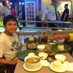 Photo taken at Chicken Bacolod by Beth I. on 8/18/2015