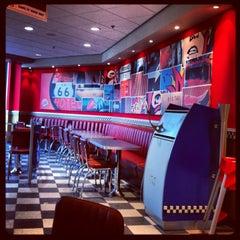 Photo taken at Burger King by Olga E. on 9/22/2013