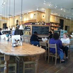 Photo taken at Le Pain Quotidien by Stacy S. on 4/15/2011