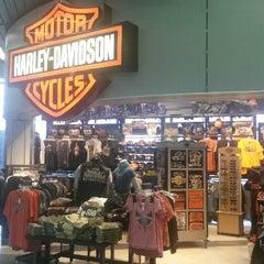 Photo taken at Windy City Harley-Davidson by Deelip M. on 4/13/2014