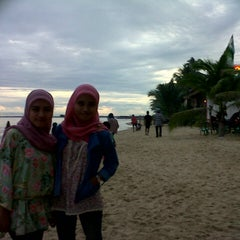 Photo taken at Kemala Beach & Resto by Arista A. on 1/1/2013