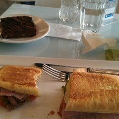Photo taken at Panteca Gourmet Express by Paty W. on 9/26/2012