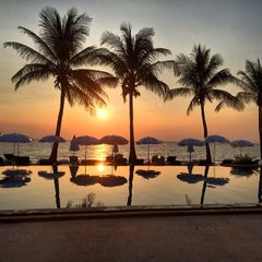 Photo taken at Lanta Casuarina Beach Resort Koh Lanta by Eric on 3/2/2014