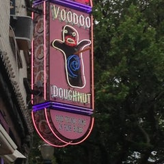Photo taken at Voodoo Doughnut by Rasheed on 6/26/2013
