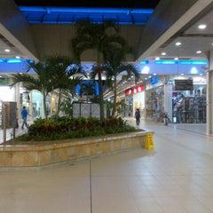 Photo taken at La 14 by Alejandro M. on 11/6/2012