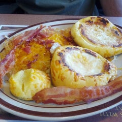 Photo taken at Denny's by Melissa T. on 11/29/2012