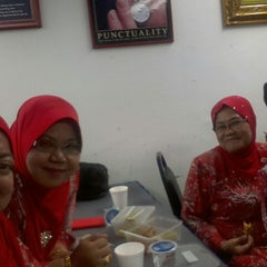 Photo taken at ibu pejabat tekun nasional by Zauyah Z. on 12/10/2014