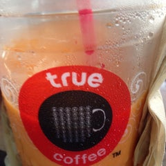 Photo taken at TrueCoffee (ทรูคอฟฟี่) by Sineenat.chs on 9/10/2015