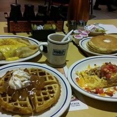 Photo taken at IHOP by Karina O. on 9/16/2012