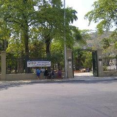 Photo taken at Parque Recanto do Trovador by Edgar D. on 9/18/2012